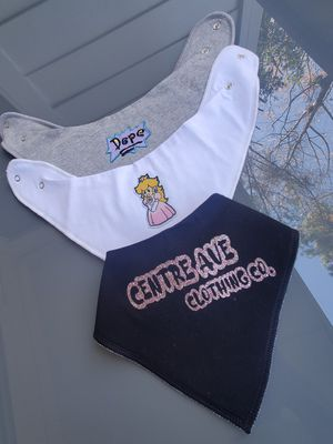 Centre Ave Girls Baby Bibs for Sale in Decatur, GA