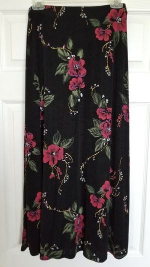 Womens Skirt Size Medium for Sale in Wesley Chapel, FL