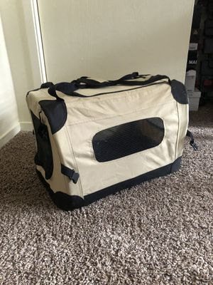 Small pet carrier (Cat or Dog) for Sale in Fresno, CA