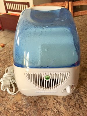 Vicks humidifier for Sale in Goodyear, AZ