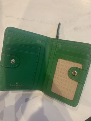 Kate spade wallet for Sale in Mesquite, TX