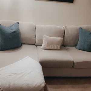 Ashley's Furniture Sectional for Sale in Tacoma, WA