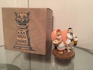 Collectible cat statue for Sale in Wesley Chapel, FL