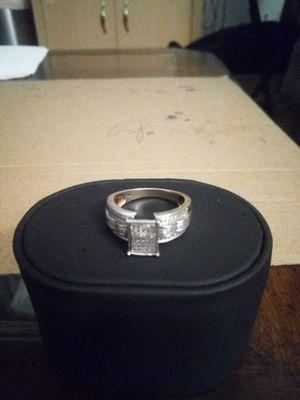 10K WHITE GOLD DIAMOND RING for Sale in Phoenix, AZ