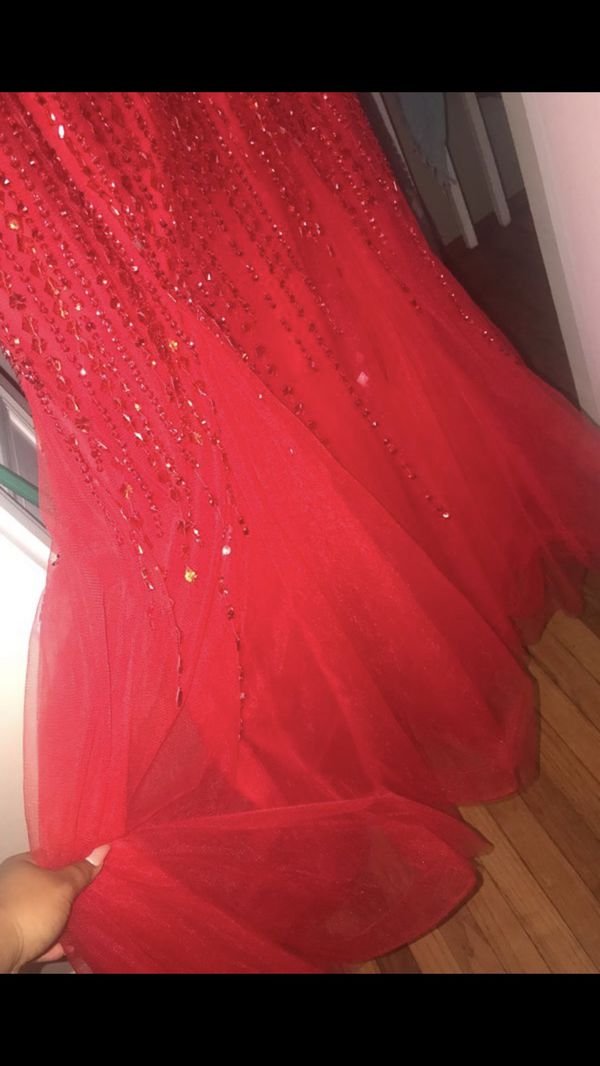 Red Fitted Prom Dress