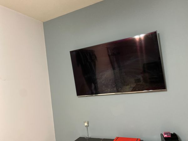 Samsung smart tv 60 inch in excellent condition for $550