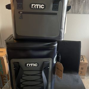NEW RTIC SOFT PACK 30 & BACKPACK COOLER for Sale in Houston, TX