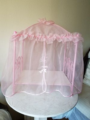 Antique Canopy Doll Bed for Sale in Covina, CA