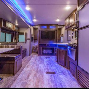 2019 Zinger 32ft Camper for Sale in Belleville, MI