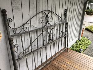 King Size Metal Bed Frame for Sale in Redmond, WA