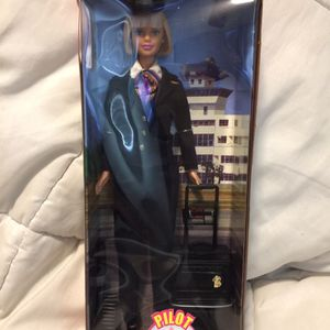 Collectible Vintage 1999 Pilot Barbie Doll Special Edition With Luggage In Box for Sale in Corona, CA