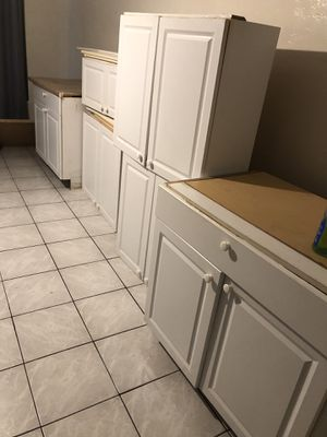 Kitchen cabinets for Sale in Hollywood, FL
