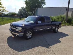 Chevy Silverado 1500 ls for Sale in Chicago, IL