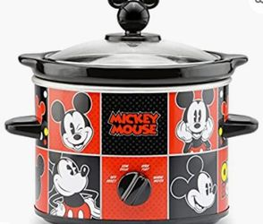 DISNEY MICKEY MOUSE SLOW COOKER for Sale in Tampa,  FL