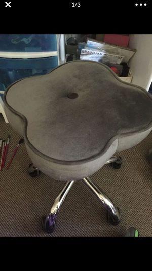 Hydraulic grey stool for Sale in Methuen, MA