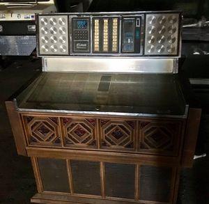 Beautiful Vintage Jukebox for Sale in Detroit, MI