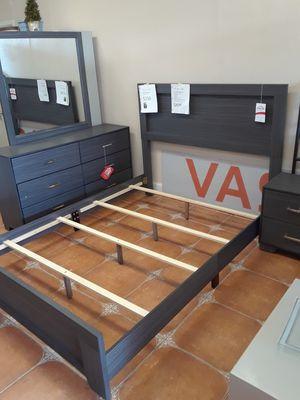 4 piece queen bedroom set for Sale in Antioch, CA
