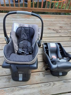 Britax baby carseat with base. for Sale in MONTGOMRY VLG, MD
