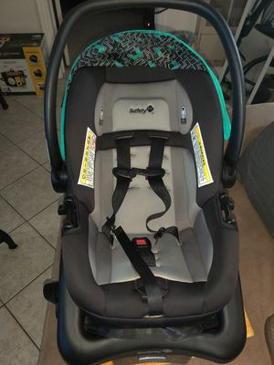 Car seat/ baby carrier,like new for Sale in Bellflower, CA