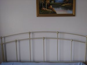 Queen Metal Bed Frame with Headboard. Like New. for Sale in Vancouver, WA