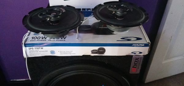 Car Stereo And Speakers Bundle