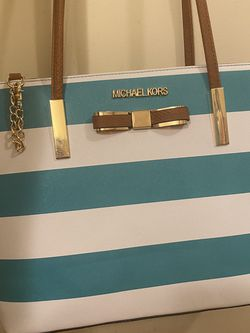 Michael Kors Tote Bag for Sale in Sterling,  VA