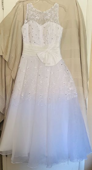 Vintage inspired, Gently used wedding dress sz 6-8 for Sale in El Cajon, CA