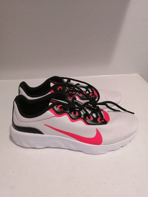 Brand new NIKE tennis shoes for women. Size 7. for Sale in Riverside, CA