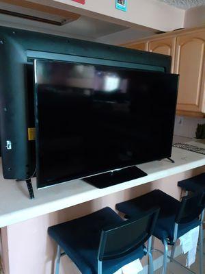 TV Samsung smart en buen estado caladito sin compromiso vista bonita 200$ no negosiable 40 inch for Sale in Los Angeles, CA