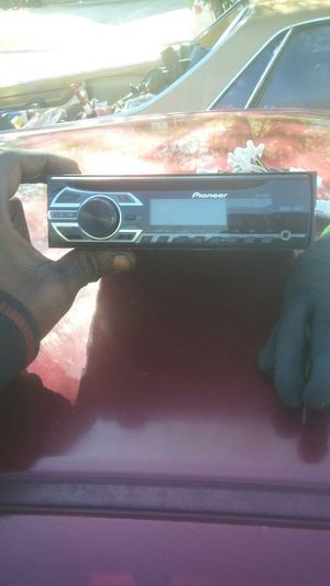 Pioneer CD Player Wit aux for Sale in Raleigh, NC