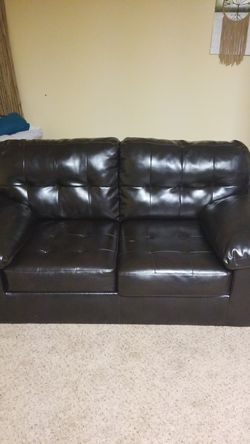 Couch for Sale in Dunlevy,  PA