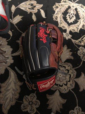 Baseball glove for Sale in Wenatchee, WA