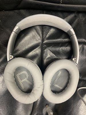 Bose quietcomfort 35 Bluetooth headphones for Sale in Tampa, FL