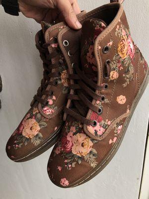 Doc Martens Size 8 Women's shoes/booties for Sale in Oak Lawn, IL