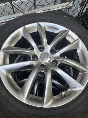 17 inch Infiniti stock wheels for Sale in Brooklyn, NY