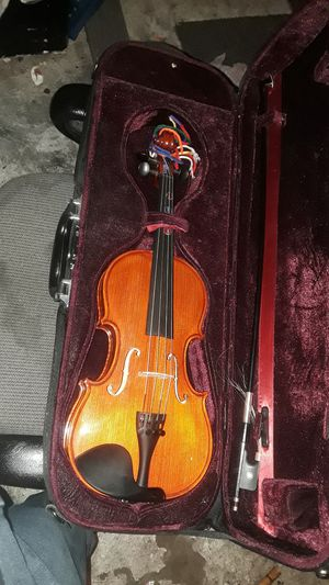 Begginers violin like new just needs bow for Sale in Saint Joseph, MO