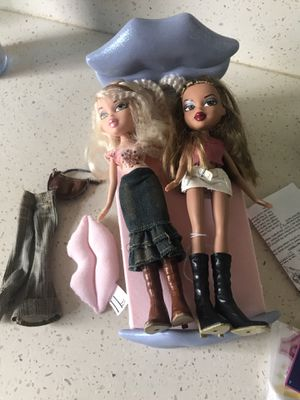 Bratz lot two dolls comb bed and accessories for Sale in Newhall, CA