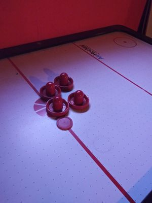 Air hockey table for Sale in Raytown, MO