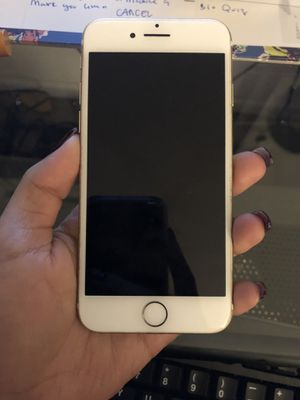 iPhone 7- used for 5 months no scratches or cracks for Sale in Raleigh, NC