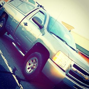 Chevy Silverado 4x4 8ft bed single cab for Sale in Sayreville, NJ