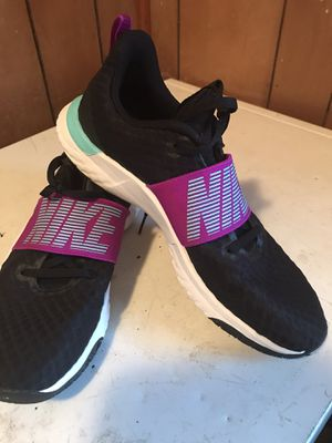Nike renewed training shoes size 9 1/2 good condition for Sale in Russellville, KY