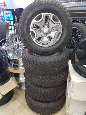 JEEP OEM FACTORY WHEELS for Sale in Houston, TX