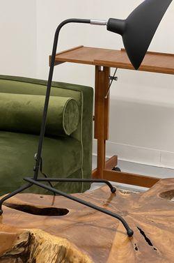 READ AD Planters Pot Pots Plants Planter Dresser Lamp Light Cabinet Credenza Stand Table Chair Desk Seattle Sofa Art for Sale in Seattle,  WA