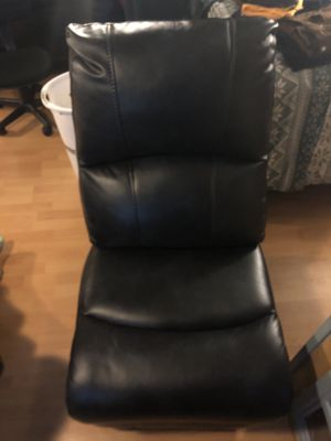 Chair for Sale in Chicago, IL