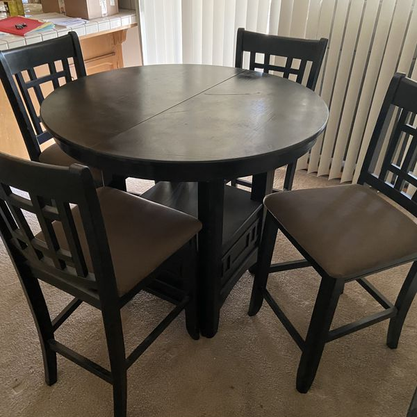 Pub Table And 5 Chairs