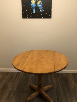 Small dining table for Sale in Avon Lake,  OH