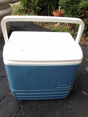 Igloo cooler for Sale in Willowbrook, IL