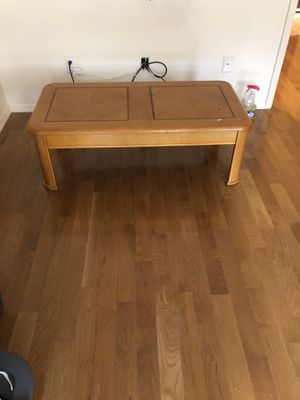 Extending coffee table for Sale in Brooklyn, NY