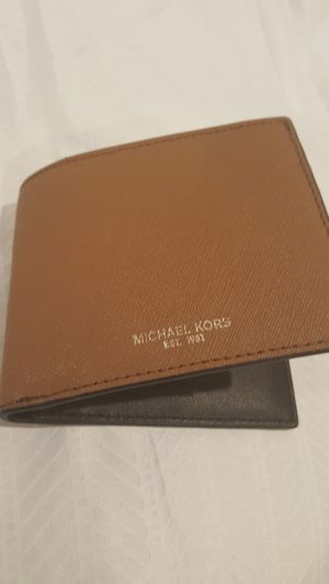 Micheal KORS Andy Slim Billfold leather wallet for Sale in Vienna, VA