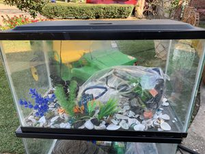 Fish tank 20 x 10 inches for Sale in Houston, TX